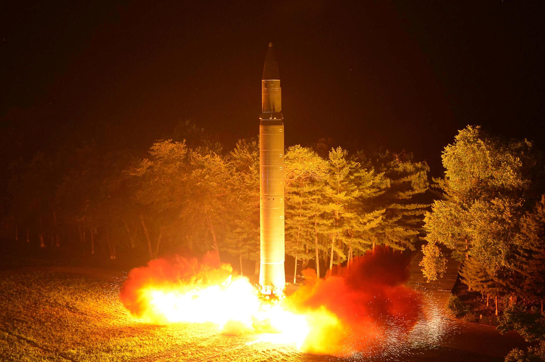 Bình Nhưỡng cho bắn thứ lần thứ 2 tên lửa liên lục địa Hwasong-14, ngày 28/07/2017.
