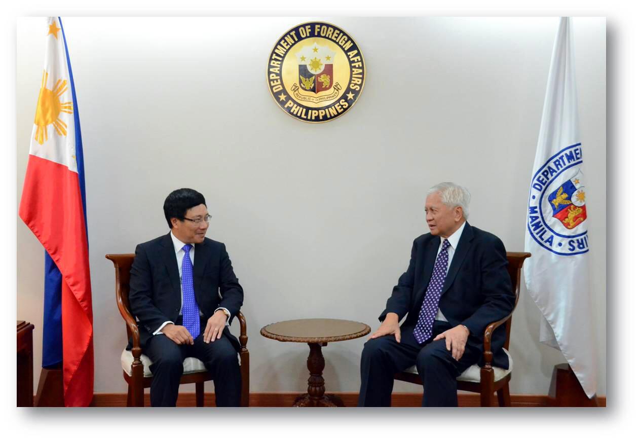 Phạm Bình Minh Albert Del Rosario dfa.gov.ph