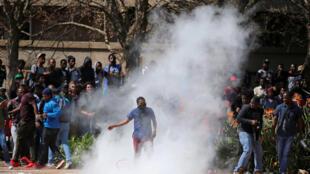 Des affrontements ont opposé étudiants et forces de l'ordre à Johannesburg, le 20 septembre 2016.