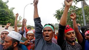 Des réfugiés de la minorité musulmane rohingya ont manifesté devant l'ambassade birmane à Kuala Lumpur, le 8 septembre 2017.