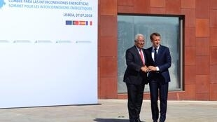 Primeiro-ministro português, António Costa, acolhe Emmanuel Macron em Lisboa a 27 de Julho de 2018 para uma cimeira sobre energia.