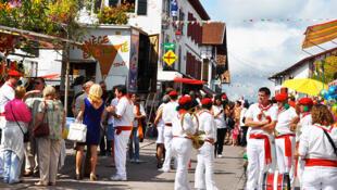 A Festa de Urrugne acontece todos os anos no começo de setembro e dura 4 dias. Já comemoramos sua 25ª edição.