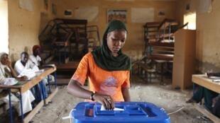 Une votante malienne, lors de la dernière élection présidentielle à Tombouctou, en juillet 2013.