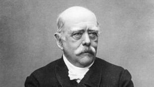 អូតូ វ៉ុន ប៊ីស្មាក់ (Otto von Bismarck) អធិការបតីនៃចក្រភពអាល្លឺម៉ង់