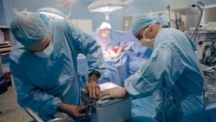 Près de 7 000 personnes sont en attente d'un don d'organe au Royaume-Uni.