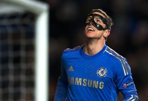 Mshambuliaji wa Chelsea Fernando Torres akishangilia goli alilofunga dhidi ya Rubin Kazan