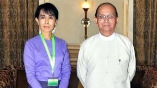 Lãnh đạo đối lập Aung San Suu Kyi và Tổng thống Thein Sein - AFP /Myanmar News Agency