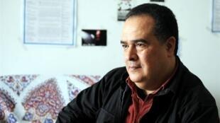 Le journaliste et opposant tunisien Taoufik Ben Brik le 27 avril 2010.