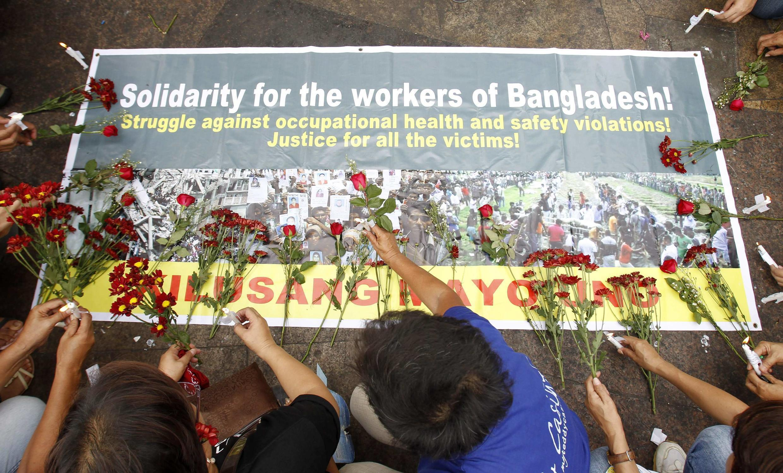 Une manifestation en soutien aux travailleurs textiles du Bangladesh, à Manille, aux Philippines, le 9 mai dernier.
