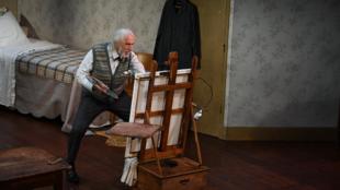 Pierre Richard dans «—Monsieur X—» mis en scène par Mathilda May.