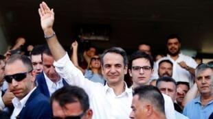 在提前立法选举中获胜的希腊右翼新民主党领袖米佐塔基斯(Kyriakos MITSOTAKIS)在雅典   2019年7月7日