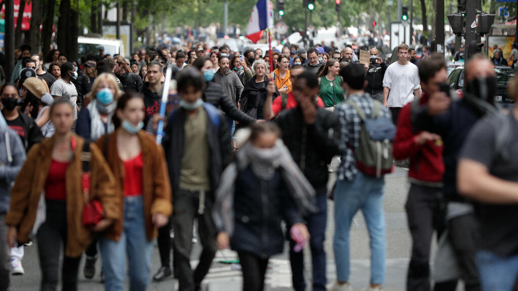 France logs more than 20,000 Covid infections in a day