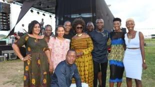 Amsa Barry, le groupe TNT, Teeyah, Claudy Siar, Chantal Taiba, Bi Pomi Junior et le groupe Nafassi.