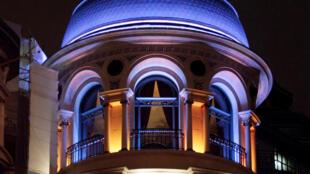 La célèbre tour du bâtiment du Printemps Haussmann.