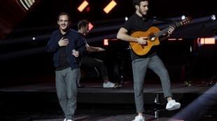 le groupe français Boulevard des Airs lors des 34e Victoires de la musique, le 8 février 2019.