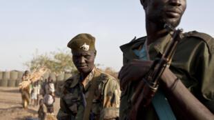 Des militaires du SPLA, ficèles au président Salva Kiir, en mars 2014.