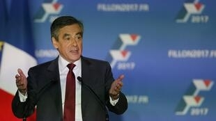 A poll published on 23 November showed François Fillon would win 65 percent of votes