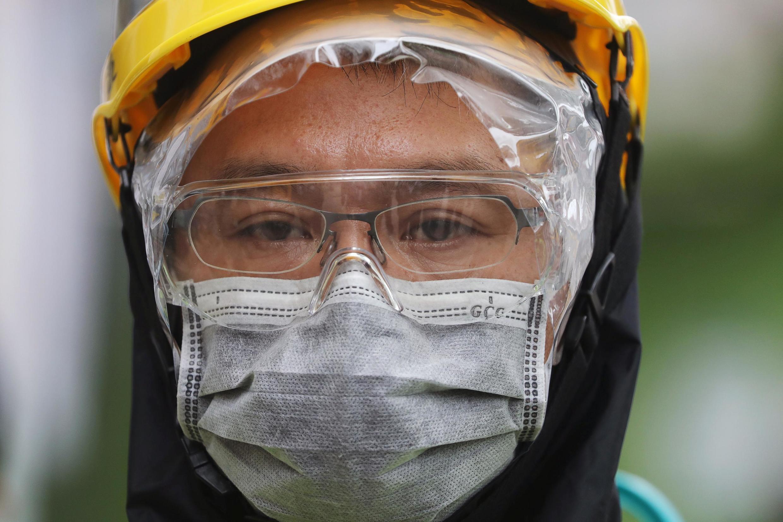 Viseiras e divisórios de plásticos não serão mais suficientes: governo francês quer que as máscaras sejam usadas de maneira sistemática nos locais de trabalho da França (Imagem ilustrativa)