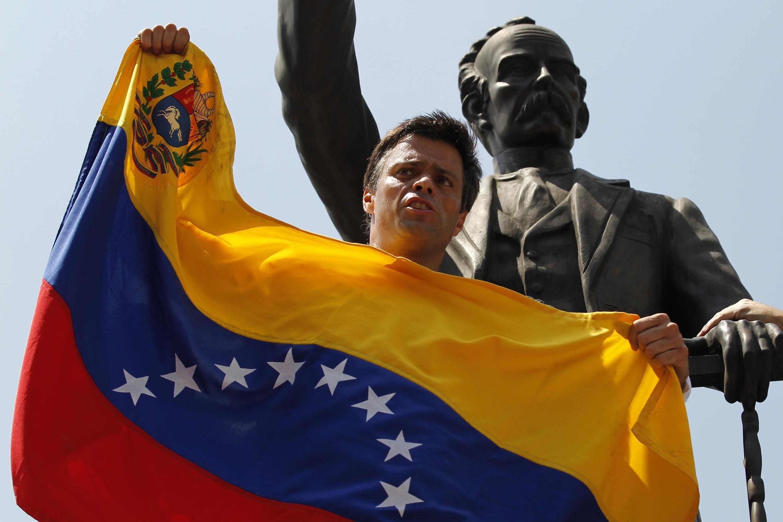 Leopoldo Lopez foi condenado a 13 anos de prisão