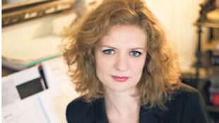 Portrait de la romancière Emmanuelle Allibert.
