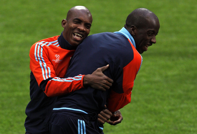 Os jogadores Djimi Traore (e) e Souleymane Diawara (d) durante treino do Olympique de Marselha, nesta segunda-feira.