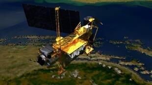Imagem de 1991 mostra o satélite em órbita.