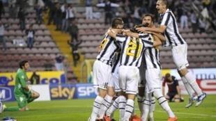 Juventus comemora conquista do Campeonato Italiano, neste domingo.