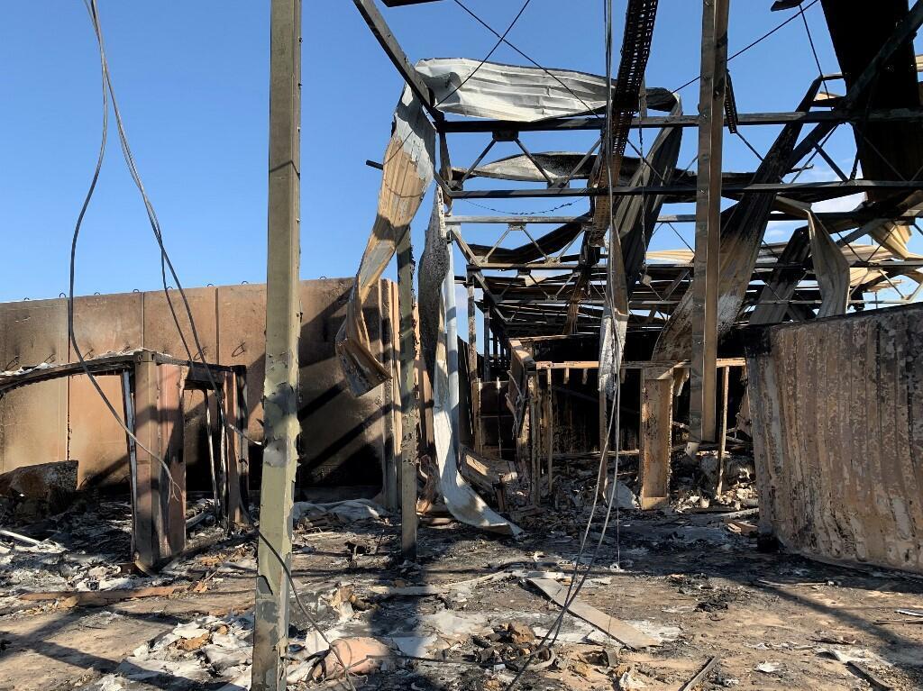 یکی از ساختمانهای تخریب شدۀ پایگاه «عین الأسد» پس از فرو افتادن موشکهای ایران
