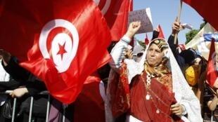 Les partisans du parti islamiste Ennahda à Tunis, le 13 août 2013.