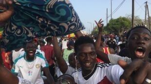 La liesse à Dakar après la qualification des Lions pour la finale de la CAN 2019.