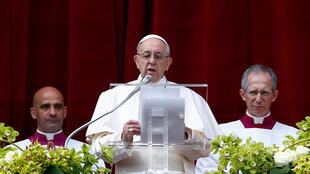 پاپ فرانسیس، امسال سخنرانی خود را به مناسبت عید پاک، به وضعیت جهان اختصاص داد و برای همۀ مردم دنیا آرزوی صلح کرد.