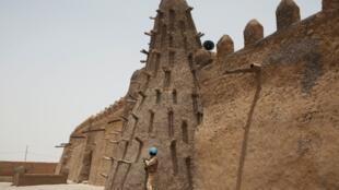 Mesquita do século 14 faz parte do patrimônio de Timbuktu, no Mali.