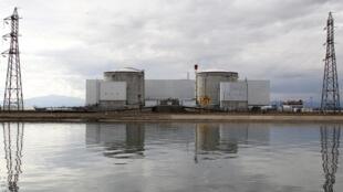 La plus ancienne centrale nucléaire EDF de France, à Fessenheim près de Colmar, photographiée le 14 mars 2011.