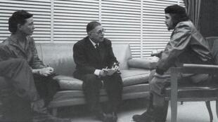 Simone de Beauvoir and Jean-Paul Sartre meet Che Guevara