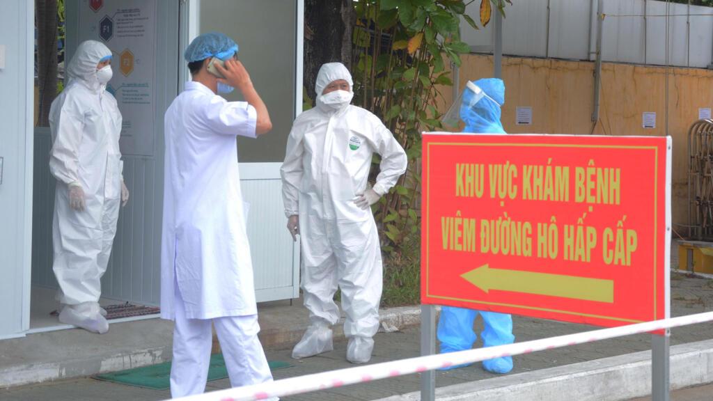 Việt Nam - Covid-19 : Điều động bác sĩ kinh nghiệm đến Đà Nẵng chống dịch
