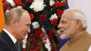 Le président russe, Vladimir Poutine, a rencontré Narendra Modi, le Premier ministre indien à New Delhi, le 5 octobre 2018.