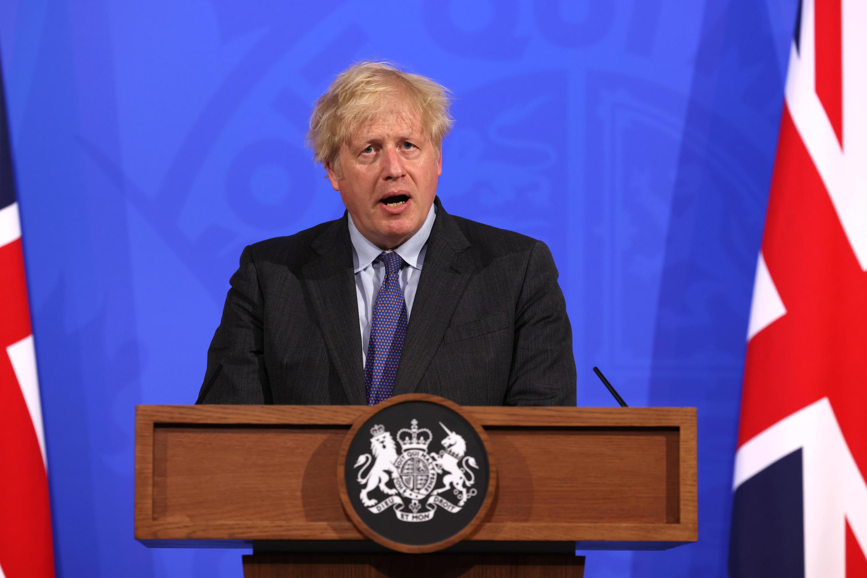 El primer ministro británico, Boris Johnson, habla durante una rueda de prensa virtual celebrada el 14 de junio de 2021 en Londres