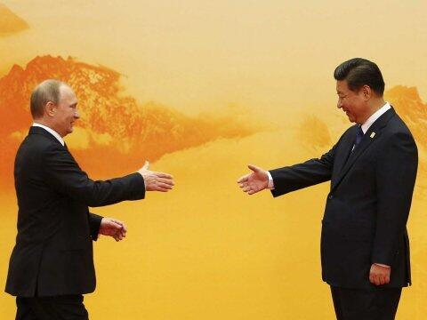Chủ tịch Trung Quốc và tổng thống Nga gặp nhau tại diễn đàn APEC, ngày 25 tháng 6/2016.