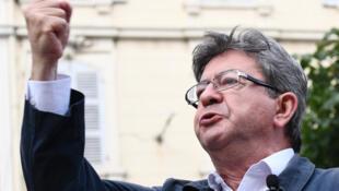 Лидер французских крайне левых Жан-Люк Меланшон примет участие в шествии «Бессмертного полка» в Москве