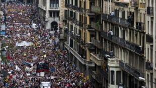 Des milliers d'«Indignés» ont manifesté dans les rues de Barcelone ce 19 juin 2011pour exprimer leur ras-le-bol de la crise.