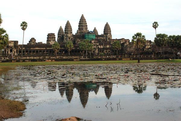 Một góc khu vực đền Angkor - Cam Bốt