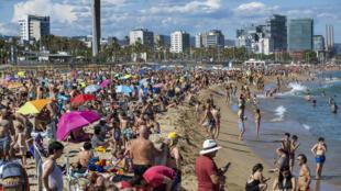 Turistas en las playas de Barcelona el 13 de junio 2020