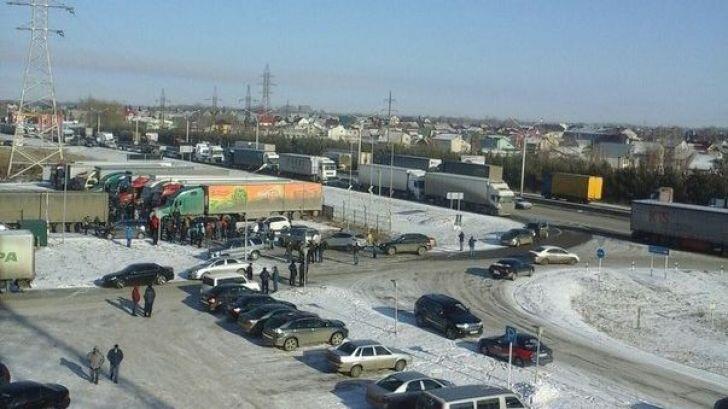 Акция дальнобойщиков в Барнауле. 11 ноября