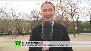 Уволенный месяц назад с телеканала France 2 ведущий прогноза погоды Филипп Вердье теперь освещает климатическую конференцию COP21.