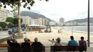Copacabana é um dos bairros com o maior número de idosos do Brasil