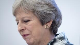 La primera ministra británica, Theresa May, logró este lunes que el Parlamento aprobara su proyecto de ley sobre el funcionamiento de las aduanas tras el Brexit, pero para ello tuvo que hacer concesiones a los diputados euroescépticos de su partido.