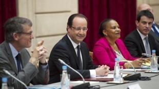 O presidente francês, François Hollande, durante reunião ministerial no dia 6 de maio de 2013.