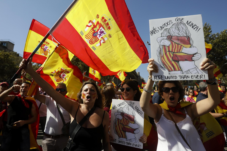 Manifestantes na Catalunha.