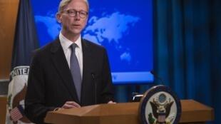 """""""برایان هوک"""" رییس گروه اقدام ایران روز چهارشنبه ۷ نوامبر/ ١۶ آبان از تصمیم واشنگتن برای معاف شدن عراق از بعضی تحریمها خبر داد."""