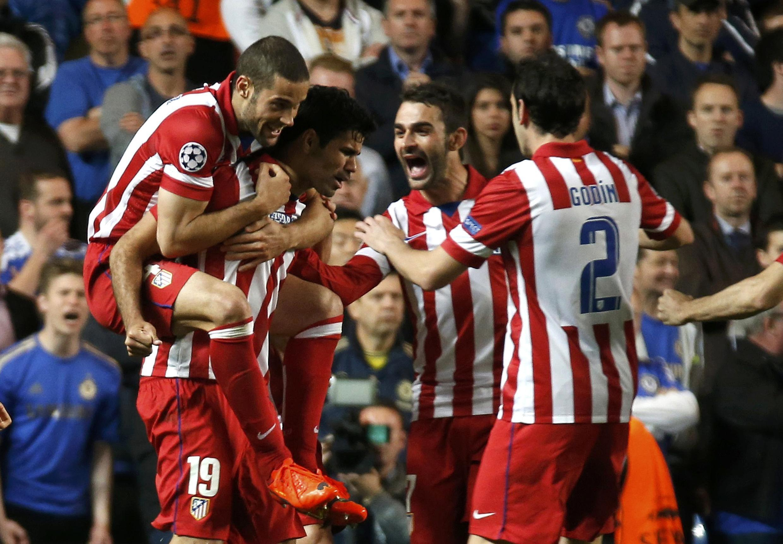 Wachezaji wa Atletico Madrid wakishangilia baada ya kuifunga Chelsea